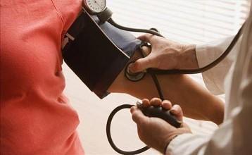 测量血压.jpg